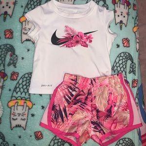 Infant girls  2pc Nike set 12m